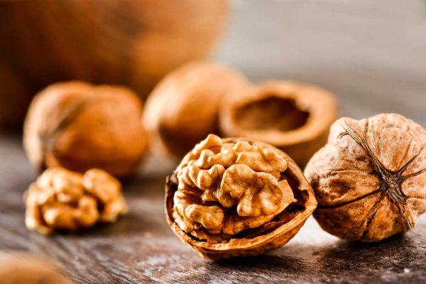 Pourquoi manger des noix et graines ? 4 bienfaits